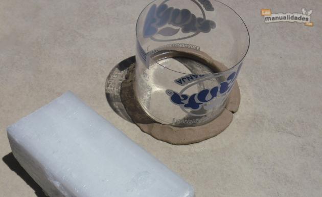 Velas de parafina armando el molde