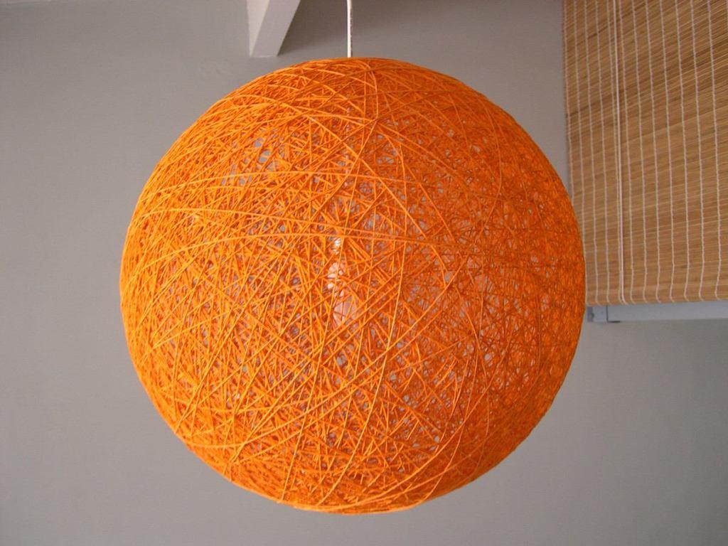 L mparas artesanales de hilo dise os t cnicas y - Como hacer una lampara de pared ...