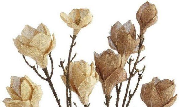 Flores de arpillera para la decoracion rustica