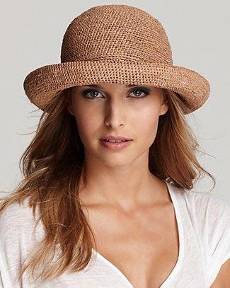 Sombrero de crochet con rafia
