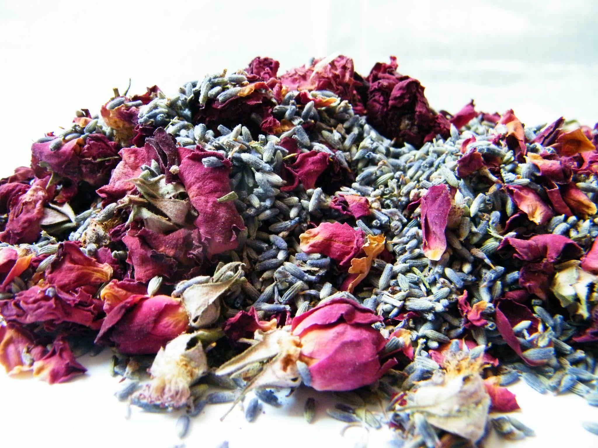 Receta para hacer popurrí de rosas y lavanda