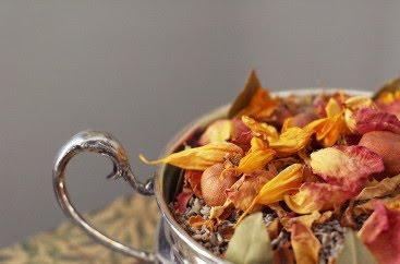 Recetas para hacer popurrí de manzana y rosas