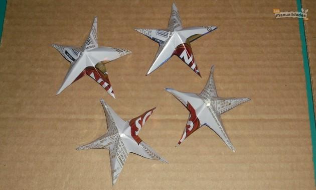 Estrellas de navidad hechas con latas recicladas