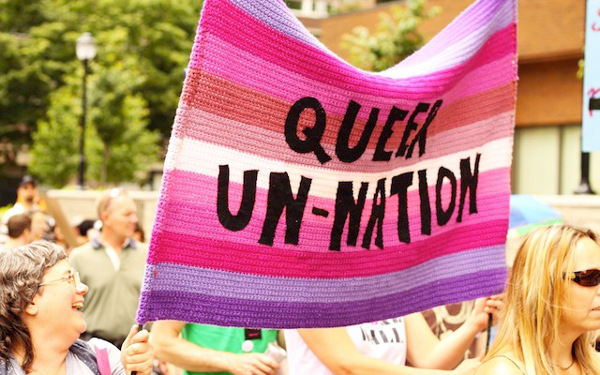 Pancarta Queer un-nation
