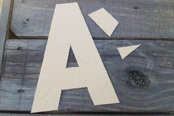 Cortar la letra de cartón