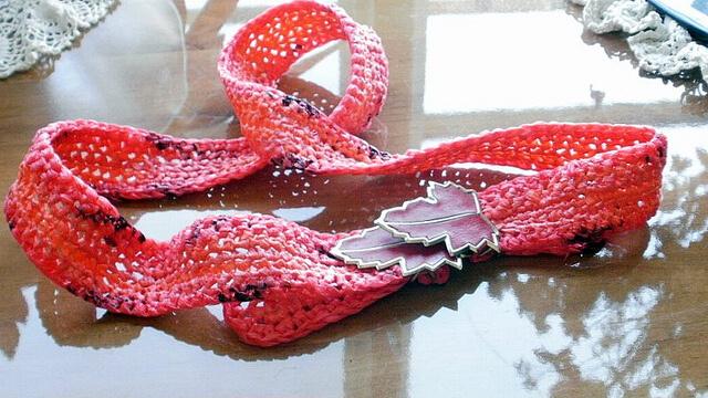 Cinturon tejido con bolsas plasticas
