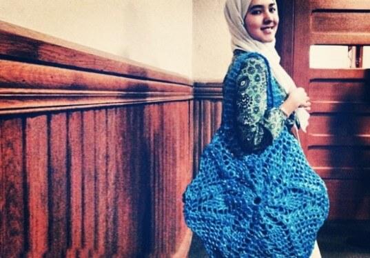 Bolso a crochet tejido con bolsas recicladas