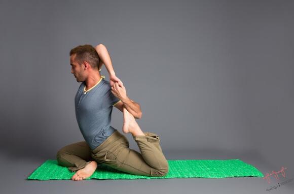 Alfombrilla yoga tejida con bolsas