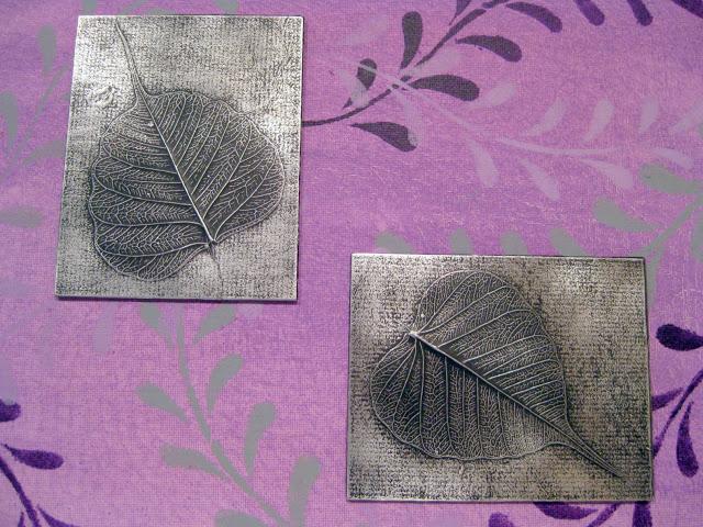 Cuadro decorativo de hojas en papel aluminio