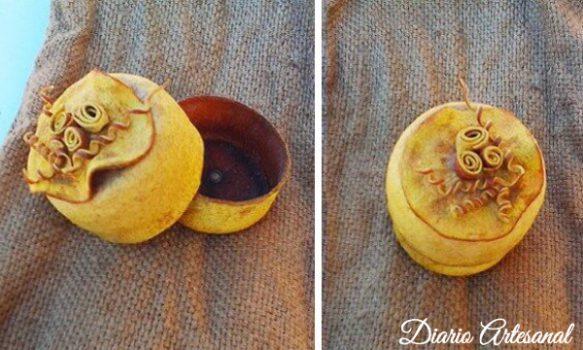 Cajas de cascaras de naranja