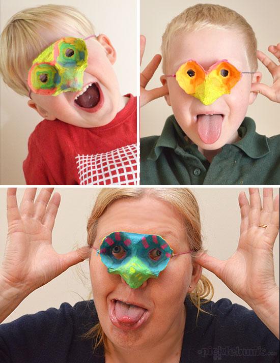 juguetes con materiales reciclados máscaras de cartón de huevos