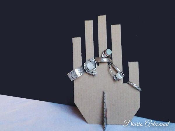 Porta anillos con reciclaje