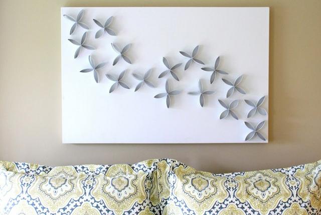 Panel decorativo hecho con cartón de rollos
