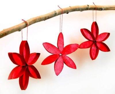 Flores para decorar en navidad hechas con cartón de rollos