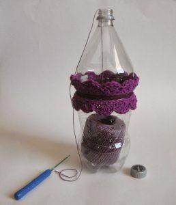 Trucos para tejer con una botella reciclada