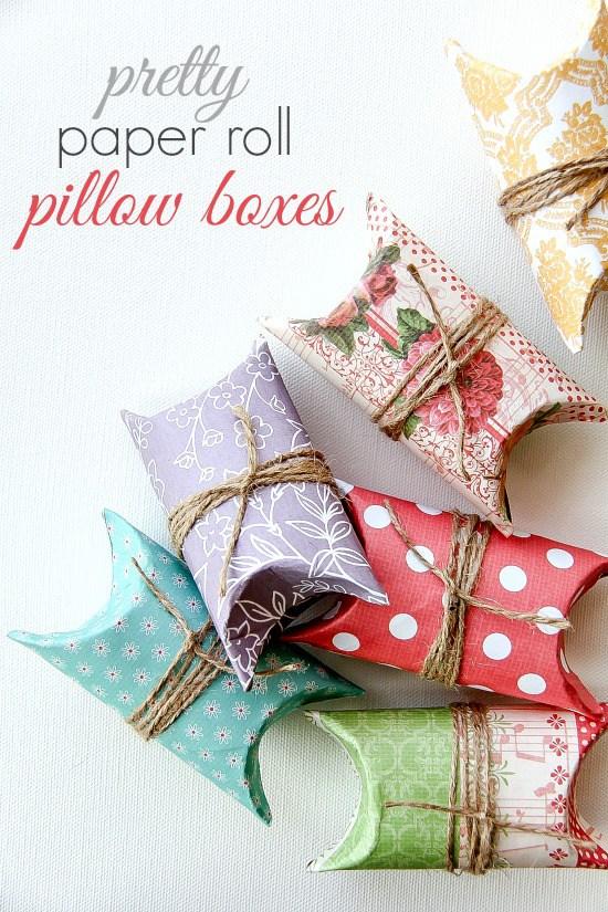 Cajas de regalo hechas con cartón de rollos forrado