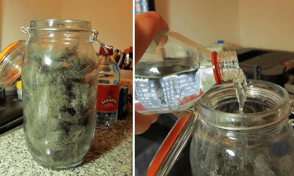 Cómo hacer un tinte casero para cuero con esponja de aluminio