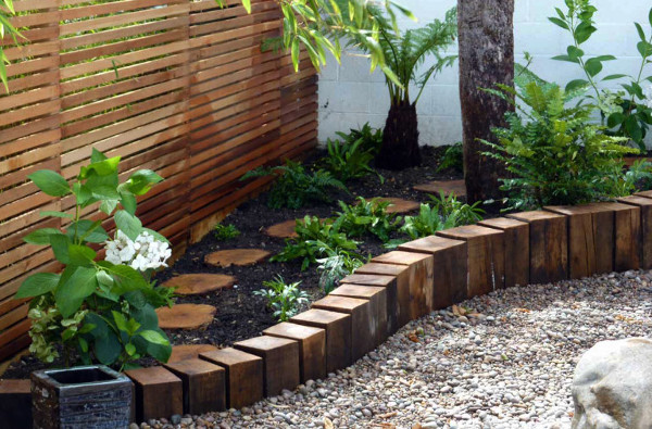 Ideas creativas para jardines bricolage en el jard n - Jardines decorados con madera ...