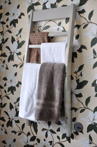 Reciclar una silla y hacer un porta toallas