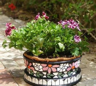 Mosaico hecho con baldosas