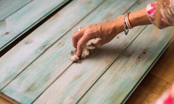 Tecnica decapado para pintar madera